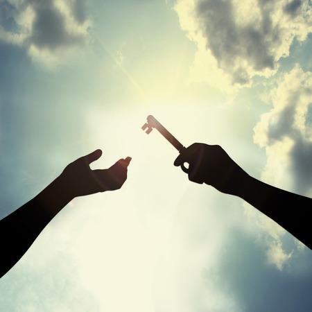 claves: Clave en el cielo Hold