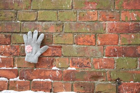 unexpectedness: Invisible hand on the wall