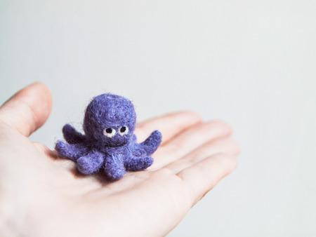 Miniature needle felted octopus, wool handmade toy Imagens - 27015264