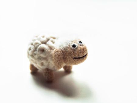 Miniature needle felted sheep, wool handmade toy Imagens - 27827769