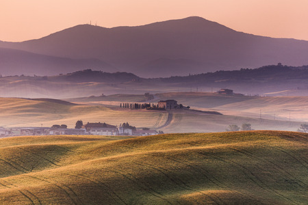 agriturismo: Early morning on countryside, San Quirico d´Orcia, Tuscany, Italy Stock Photo