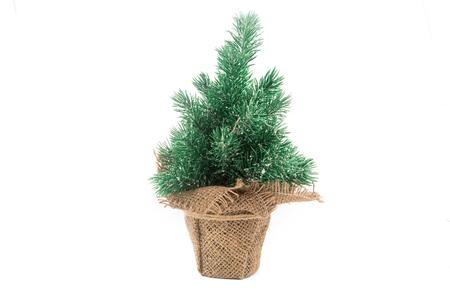 sacco juta: sacco di iuta con albero di Natale isolato