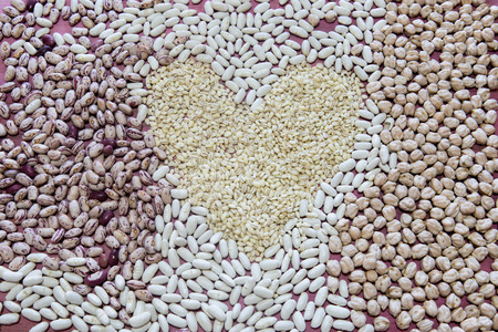 borlotti beans: Group of beans and chickpeas in a heart shape
