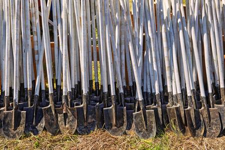 Row ground grass shovels
