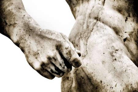 statue grecque: Close-up d'une ancienne statue romaine avec quelques grains ajout�s