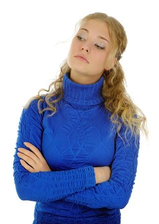 desprecio: Retrato de una muchacha hermosa, aislado en blanco