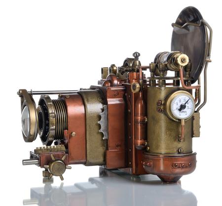 old technology: Macchina fotografica su uno sfondo bianco di stile Steampunk