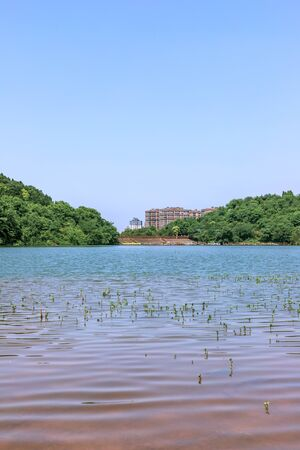 Reservoir in Donghushan Park, Deyang City, Sichuan Province, China 版權商用圖片 - 127027418