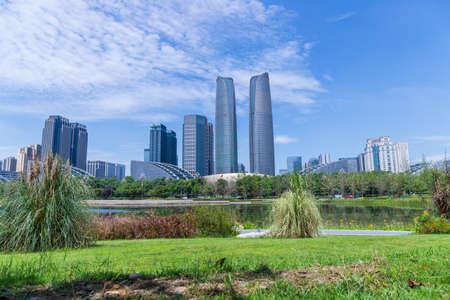 Chengdu Jiaozi Park Lake View and Financial City Architecture Banco de Imagens - 151081524