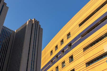 Urban high-rise office building curtain wall 版權商用圖片