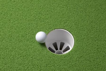casi: Cerrar un tiro de pelota de golf rodando la llanta de un agujero, con espacio para copiar
