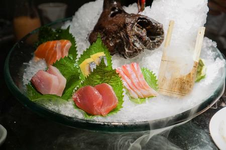 sashimi: Sashimi platter