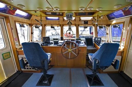 kwadrant: Sterówce w fireboat z różnych urządzeń nawigacyjnych Zdjęcie Seryjne