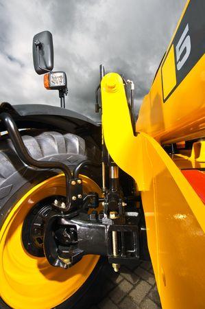 dovere: La sospensione del dazio pesante ruota di un carrello elevatore industriale  loader