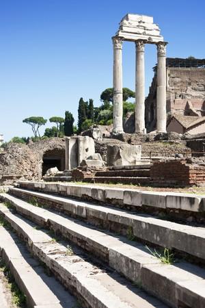 spqr: El Collosseum, el hito famoso del mundo en Roma, Italia (XXXL la imagen panor�mica)  Foto de archivo
