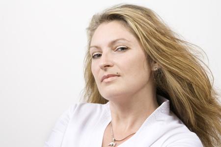 elegante: Mujer Seria Banque d'images