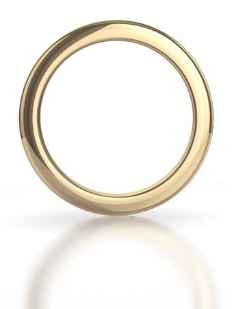 Anillo de oro aislado con trazado de recorte
