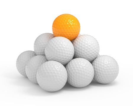 Geïsoleerde golfbal pyramide met het knippen van weg Stockfoto - 45148494