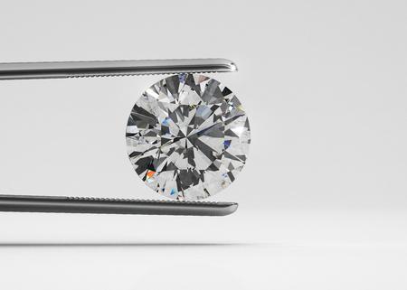 Luxe perfect gevormde diamant in pincet close-up met lichte achtergrond Stockfoto