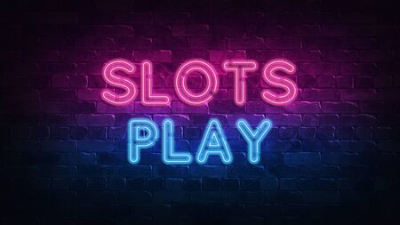 Slots Play neon sign. purple and blue glow. neon text. Brick wall lit by neon lamps. Night lighting on the wall. 3d render. Trendy Design. light banner, bright advertisement 免版税图像