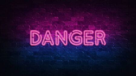 DANGER neon sign. purple and blue glow. neon text. Brick wall lit by neon lamps. Night lighting on the wall. 3d render. Trendy Design. light banner, bright advertisement 免版税图像