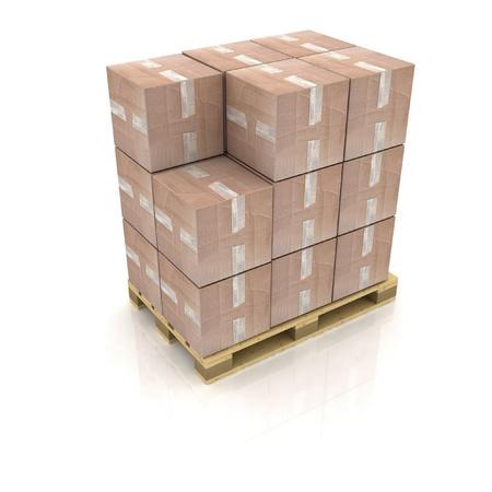 Kartonnen dozen op houten pallet Stockfoto