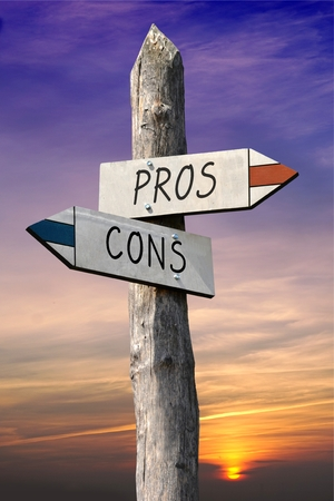 Pros and cons signpost Stock Photo