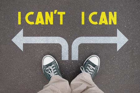Zapatos, zapatillas: puedo, no puedo concepto