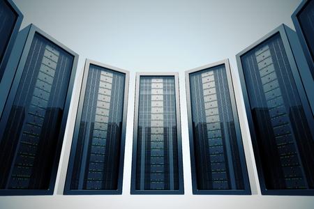 Rang�e de serveurs en rack dans le centre de donn�es mont� avec LEDs vertes.