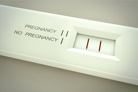 Le test de grossesse dans les lignes action.Two dans la fenêtre de résultat signifie enceinte. Banque d'images