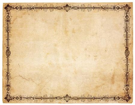 Oud, vergelen papier met vlekken en vlekken. Blanco behalve zeer sierlijke victoriaanse rand. Geïsoleerd op wit.
