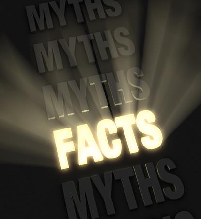 Brilliant lichtstralen barsten van een gloeiende, gouden FACTS in een rij van mythen op een donkere achtergrond Stockfoto