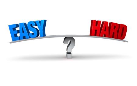 """Een blauwe """"EASY"""" en rode """"HARD"""" zitten aan tegenovergestelde uiteinden van een grijze raad evenwichtig op een grijze vraagteken illustreert de beoordeling of iets moeilijk of moeiteloos zal zijn. Geïsoleerd op wit. Stockfoto - 33896604"""