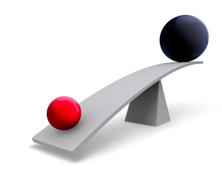 Een kleine, lichte gouden bol weegt het ene uiteinde van een grijze balk naar beneden, terwijl een grote donkere grijze bol zit hoog in de lucht aan de andere kant. Focus ligt op de gouden bol. Geïsoleerd op wit. Stockfoto