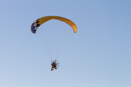 high powered: Paraglider with motor