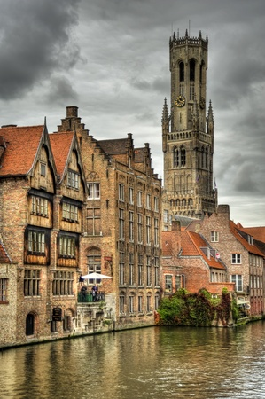 belfry in the old town of bruges, belgium (hdr) 스톡 콘텐츠