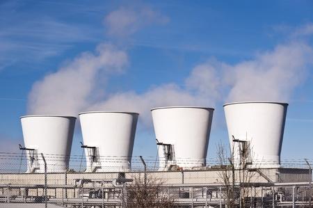 benzin: Detail of an oil refinery