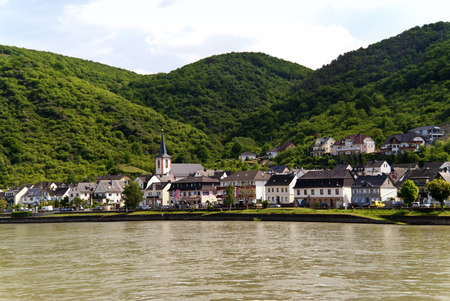 rhine: Kestert at the Rhine