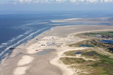 St. Peter-Ording, Aerial Photo of the Schleswig-Holstein Wadden Sea National Park in Germany Imagens - 124890955