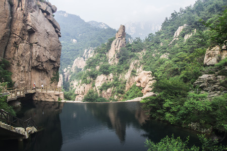 Laoshan Mountain in Qingdao, China Standard-Bild - 35180544