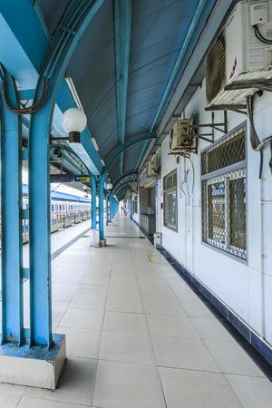 subway platform: Subway platform