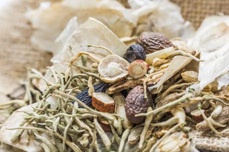 medicina: La medicina herbal china Foto de archivo