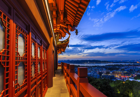 Sonnenuntergang in Hangzhou Standard-Bild - 49566494