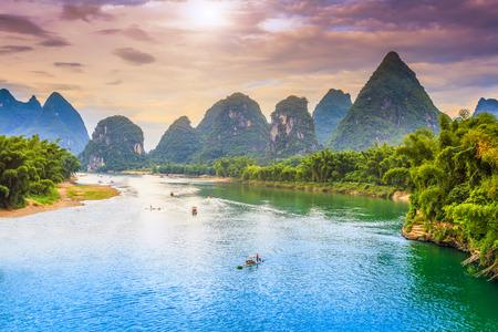 Guilin-Landschaft Standard-Bild - 61532161