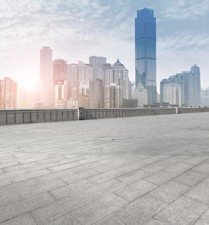 도로 및 도시의 스카이 라인