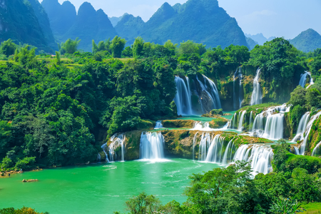 Nature landscape scenery view of a waterfall 版權商用圖片