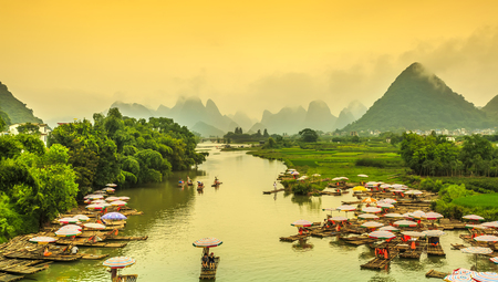 The landscape of the Lijiang River in Guilin 免版税图像 - 94891661