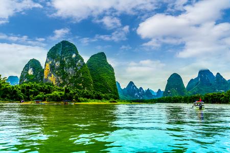 A paisagem do rio Lijiang em Guilin Foto de archivo - 94891725