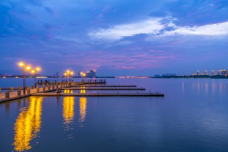 Yixing Shiqiao Lake view Фото со стока - 105518492