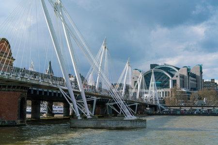 jubilee: Golden Jubilee Bridge London
